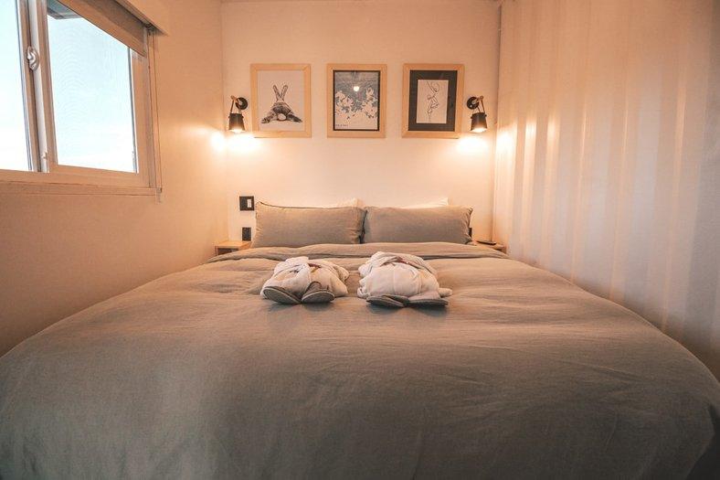 feng shui bedroom - Create symmetry in the bedroom