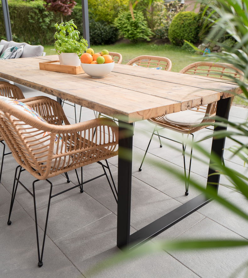 Patio and terasse table